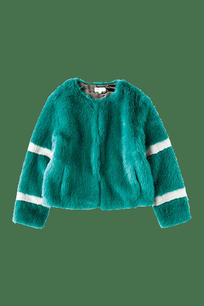 優しい質感や絶妙すぎる発色で、数多のハイブランドからも愛される、フランス・ティサヴェル社のエコファーにうっとり。スポーティなラインがアクセント。¥24,000/モリオリ(H3O ファッションビュロー)